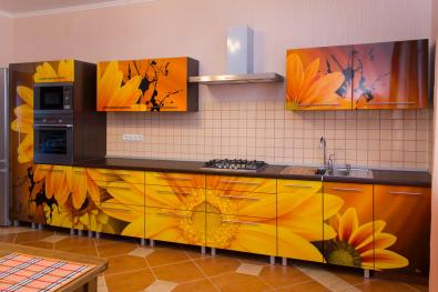 """Кухня """"Жёлтые герберы"""""""